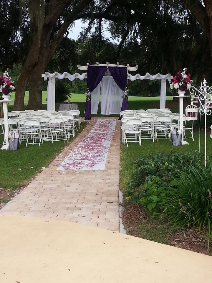 Wedding ceremony setup at Silver Springs Shores